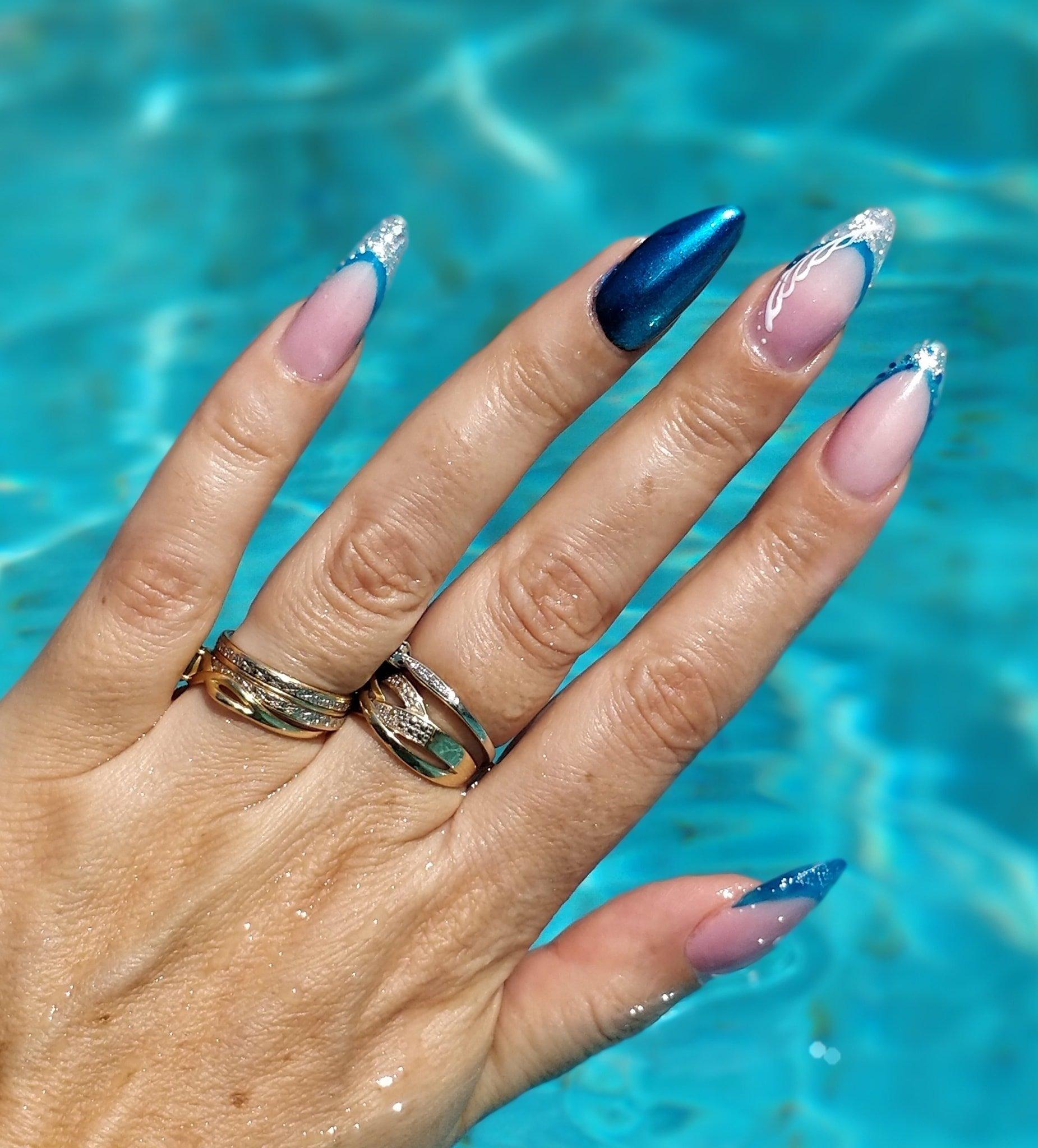 ongles chrome bleu incrusté laverune instantanails gel montpellier